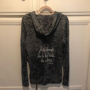 Thin hooded sweatshirt with quote